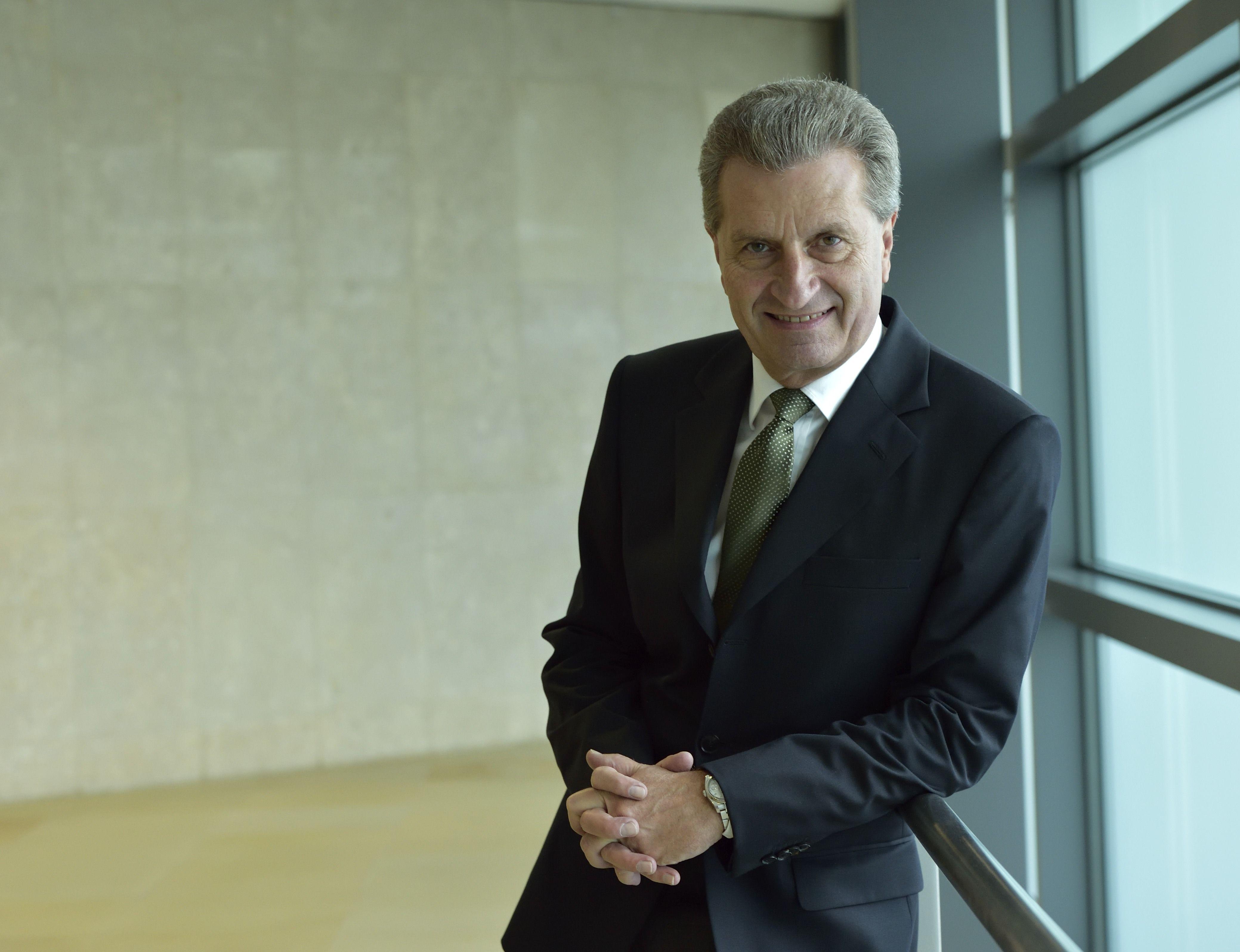 Günther Oettinger Paks II