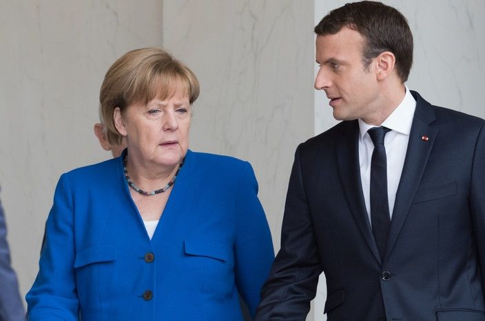 Macron migrace